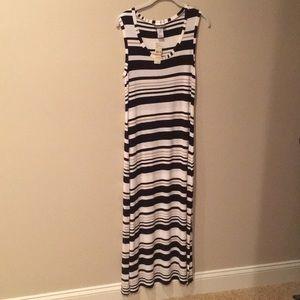 Tommy Bahama Sleeveless Maxi Dress.